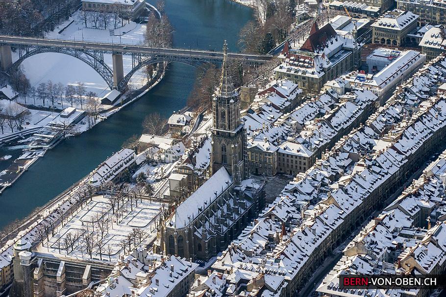 Münster Bern Luftaufnahme Winter