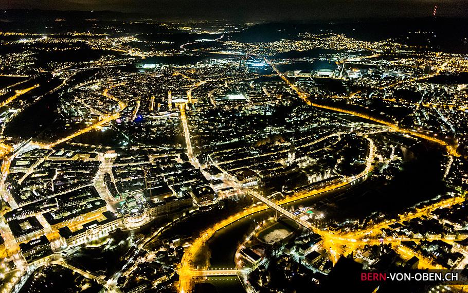 Bern bei Nacht, Bundeshaus, Münster, Luftaufnahme