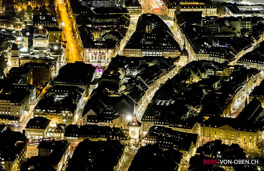 Bern bei Nacht, Bundeshaus, Käftigturm, Zytglogge, Luftaufnahme